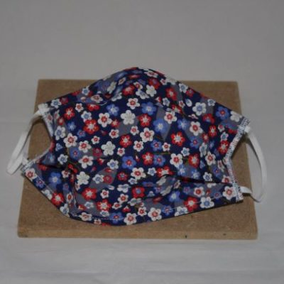 Masque En Tissu Lavable Taille Adulte Motifs Fleurs Sur Fond Bleu