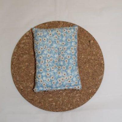 éponge Lavable Zéro Déchet Motifs Fleur Beige Esprit Liberty Fond Bleu Ciel