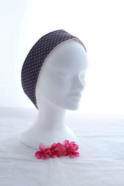 Bandeau Cheveux Pour Soin Démaquillant Motifs Petits Pois Blanc Fond Violet Foncé